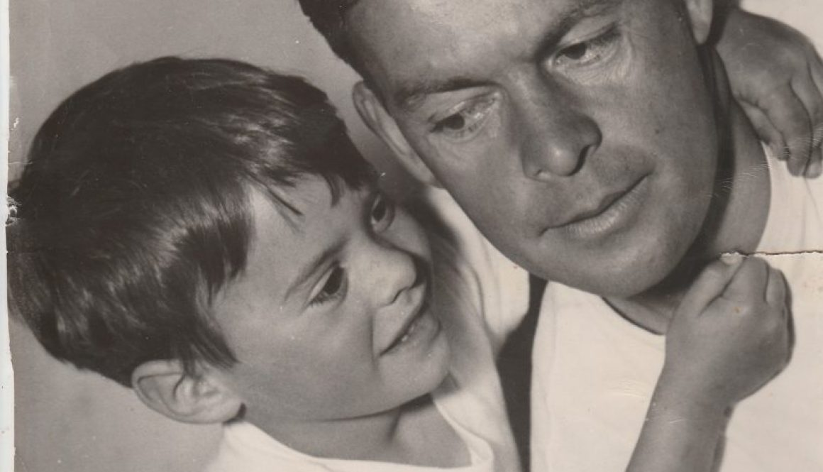 father-and-son-2226474_1920